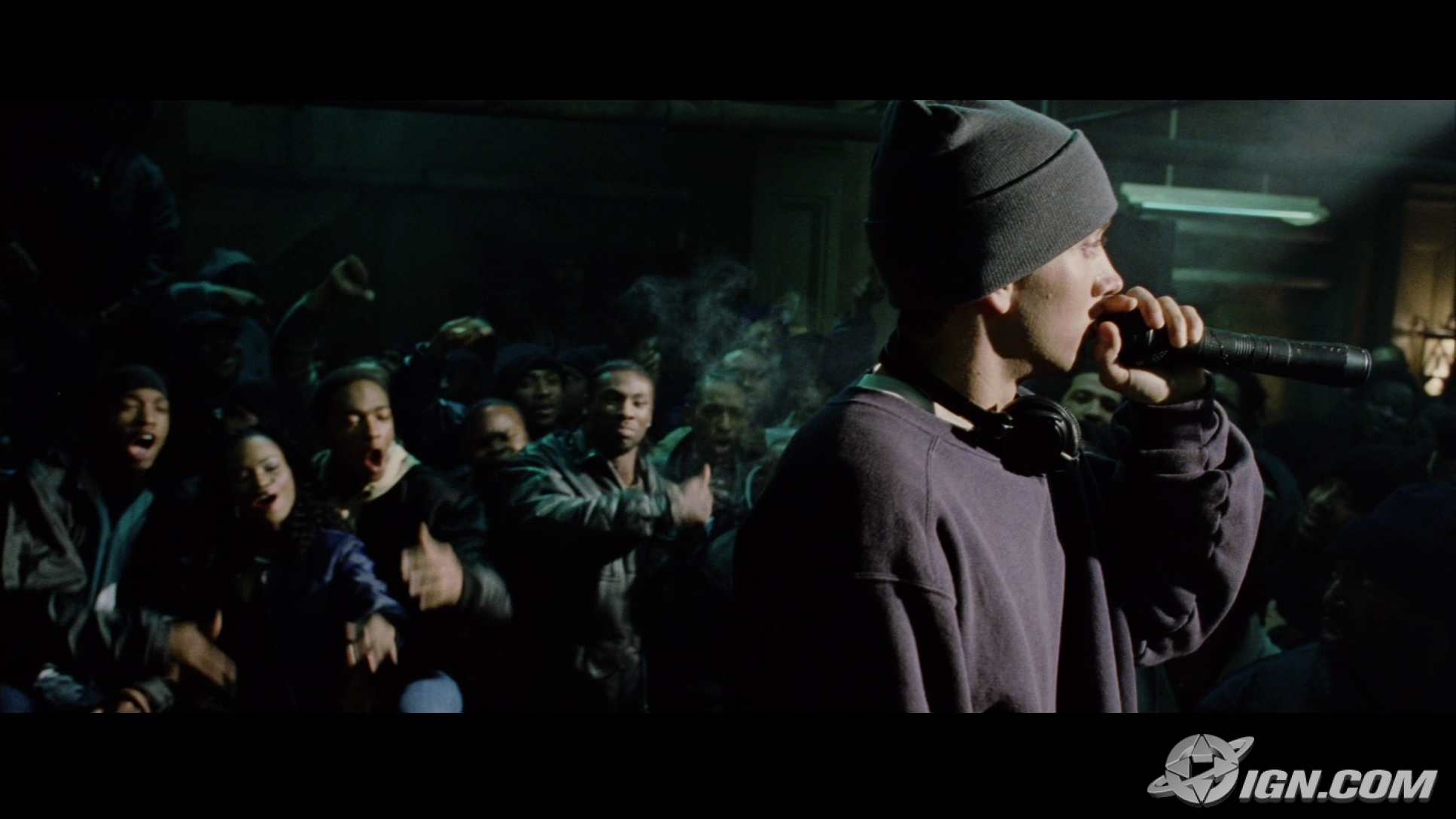 6 during the rap battle scenes, eminem was suppose to just mime his words instead of talking