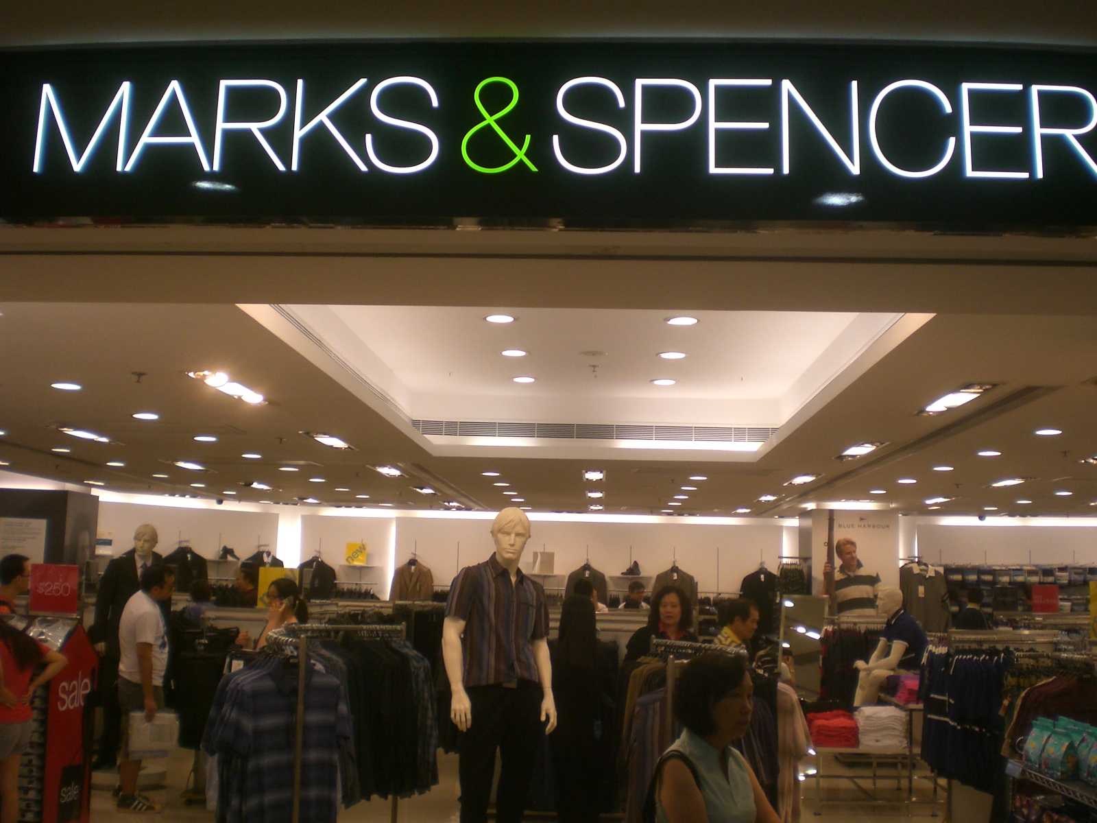 marks and spencer business strategy essay