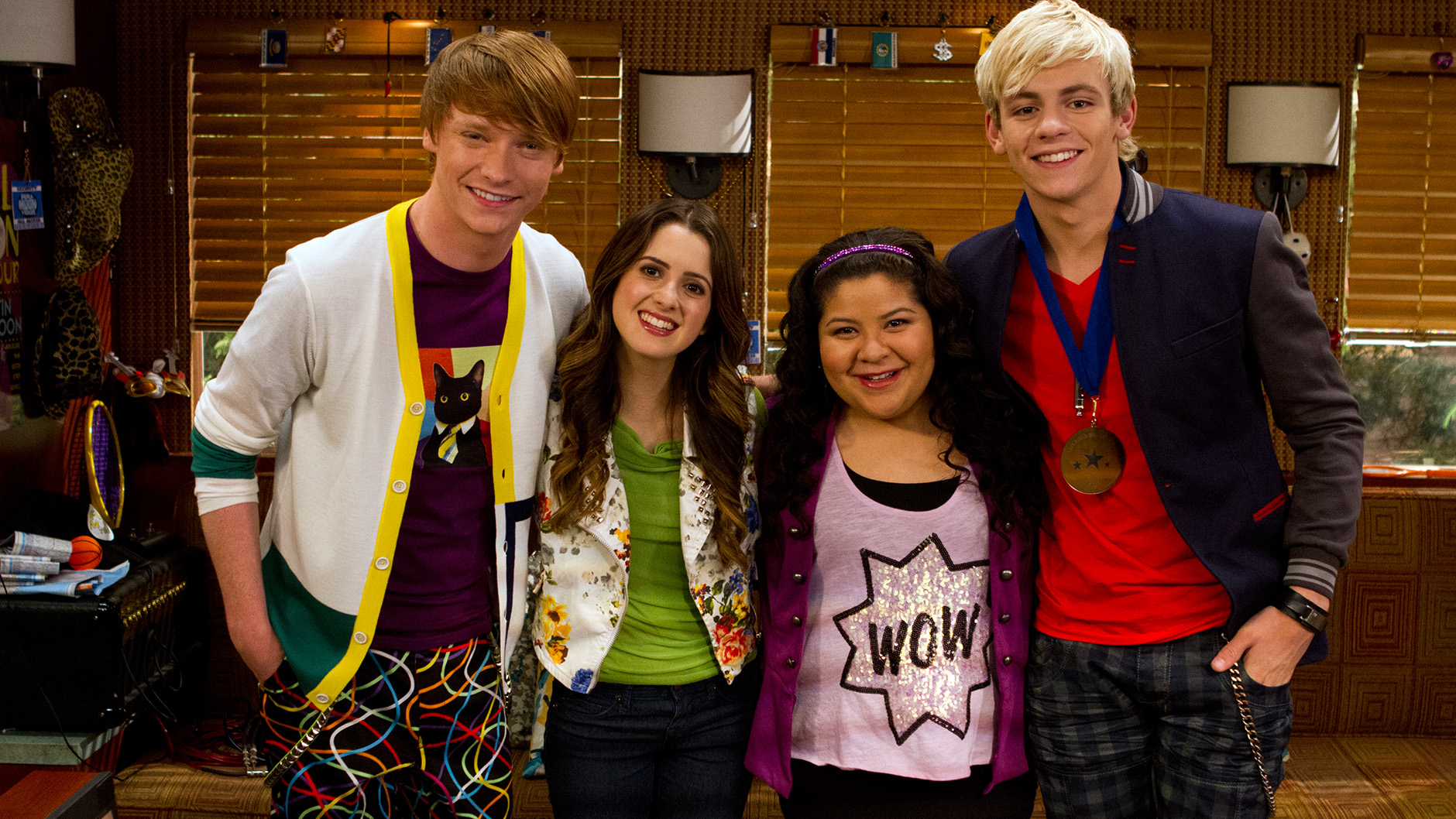 is austin dating ally in and what dezs