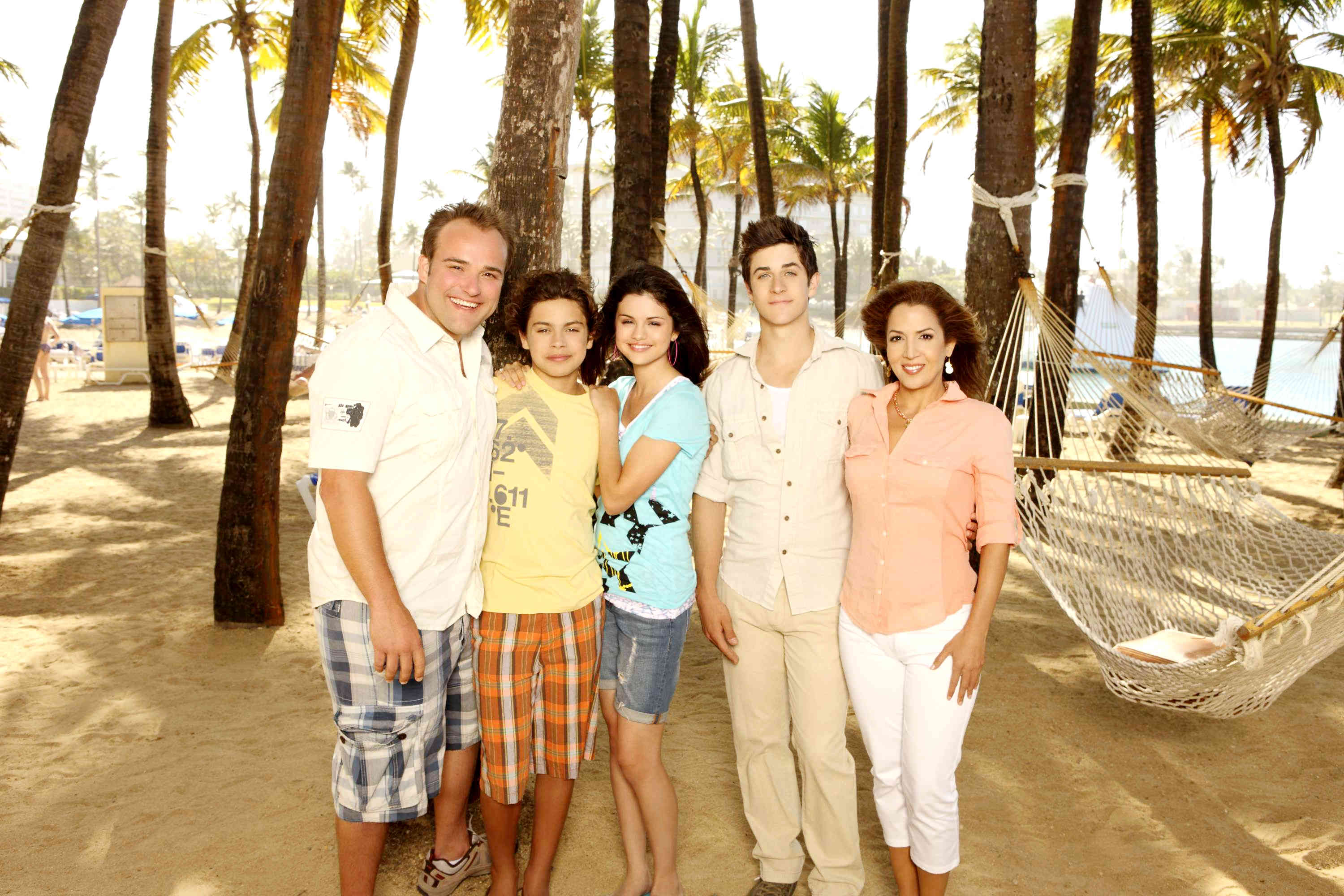 What's On: Wizards of Waverly Place | Tween Book Blog |The Wizards Wiverly Place