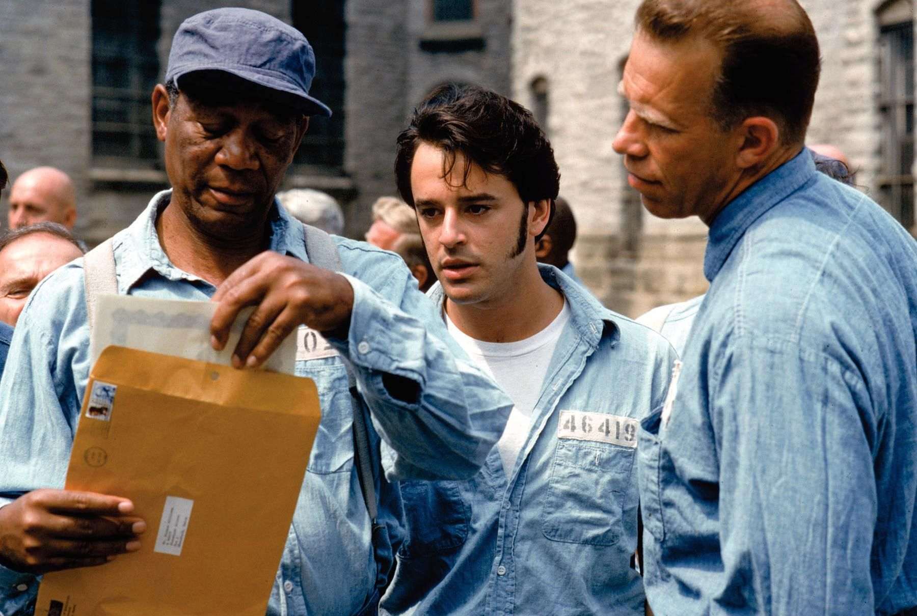 the values of the shawshank redemption In this paper the movie the shawshank redemption will be discussed which is a story of convict andy dufresnes, life in prison in this paper i will be focusing more.